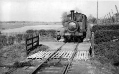 2678 arriving at Bodiam in 1940