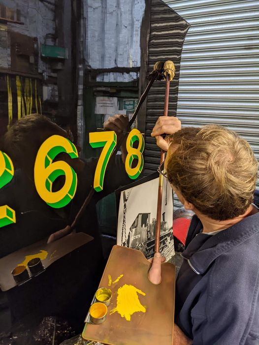 2678 signwriting M Green