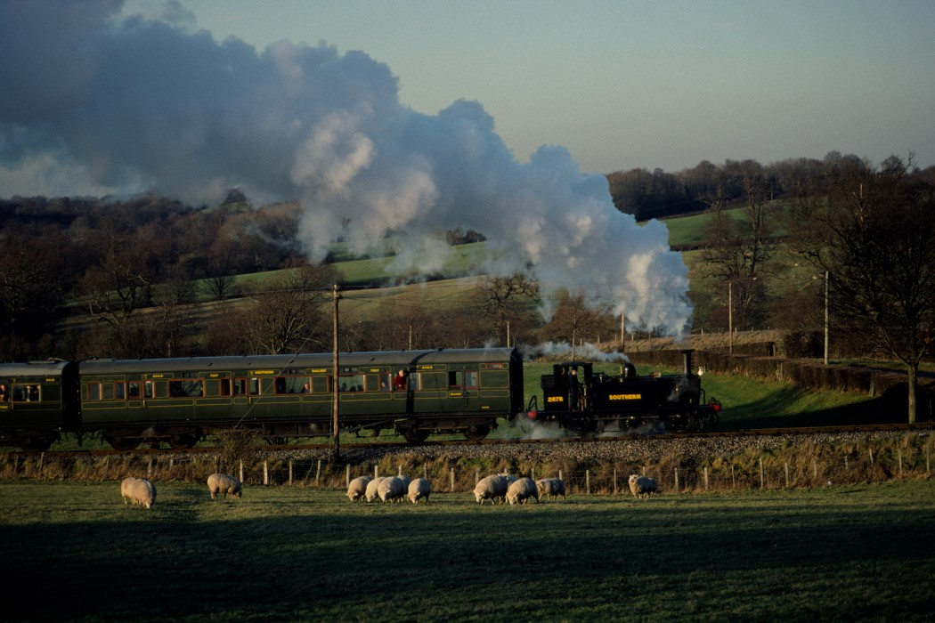 2678 - 9 Jan 2000 © Hugh Nightingale